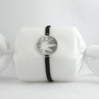 Bracelet Feuille de cannabis en aluminium 2.5x2.5cm montage paracorde.