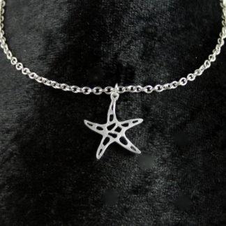 Pendentif étoile de mer en aluminium sur chaîne acier inoxydable