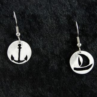 Boucle d'oreilles Marine bateau et ancre sur crochet 1.5×1.5cm