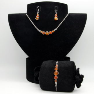 Parure : boucles d'oreilles / bracelet / collier Perles de Cornaline.