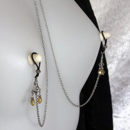 Bijoux pour seins sans piercing. Collier chaîne de seins perle de cristal de bohème jaune et hématite argent.