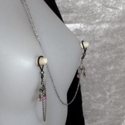 Bijoux pour seins sans piercing. Collier chaîne de seins perle de cristal de bohème vieux rose et hématite argent.