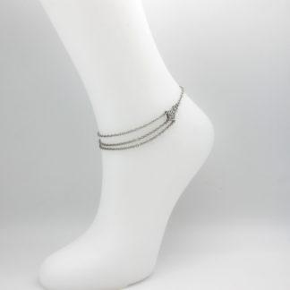 Bracelet de cheville chaîne 3 rangs.