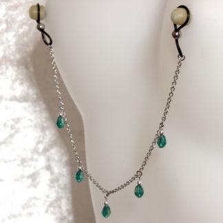Bijoux pour seins sans piercing, Chaîne maille moyenne 5 pendants perles de cristal de bohème Verte et hematite argent.