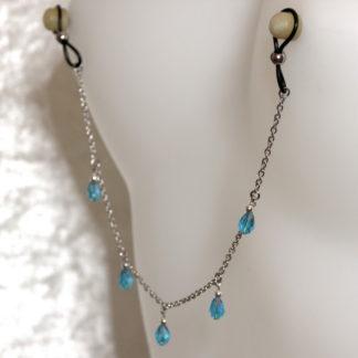 Bijoux pour seins sans piercing, Chaîne maille moyenne 5 pendants perles de cristal de bohème Bleue claire et hematite argent.